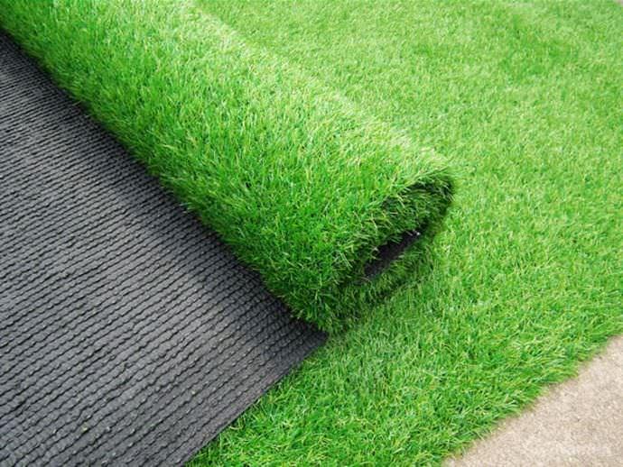 Производство травянистого покрытия основано на использовании современных полимеров и качественных пластмасс